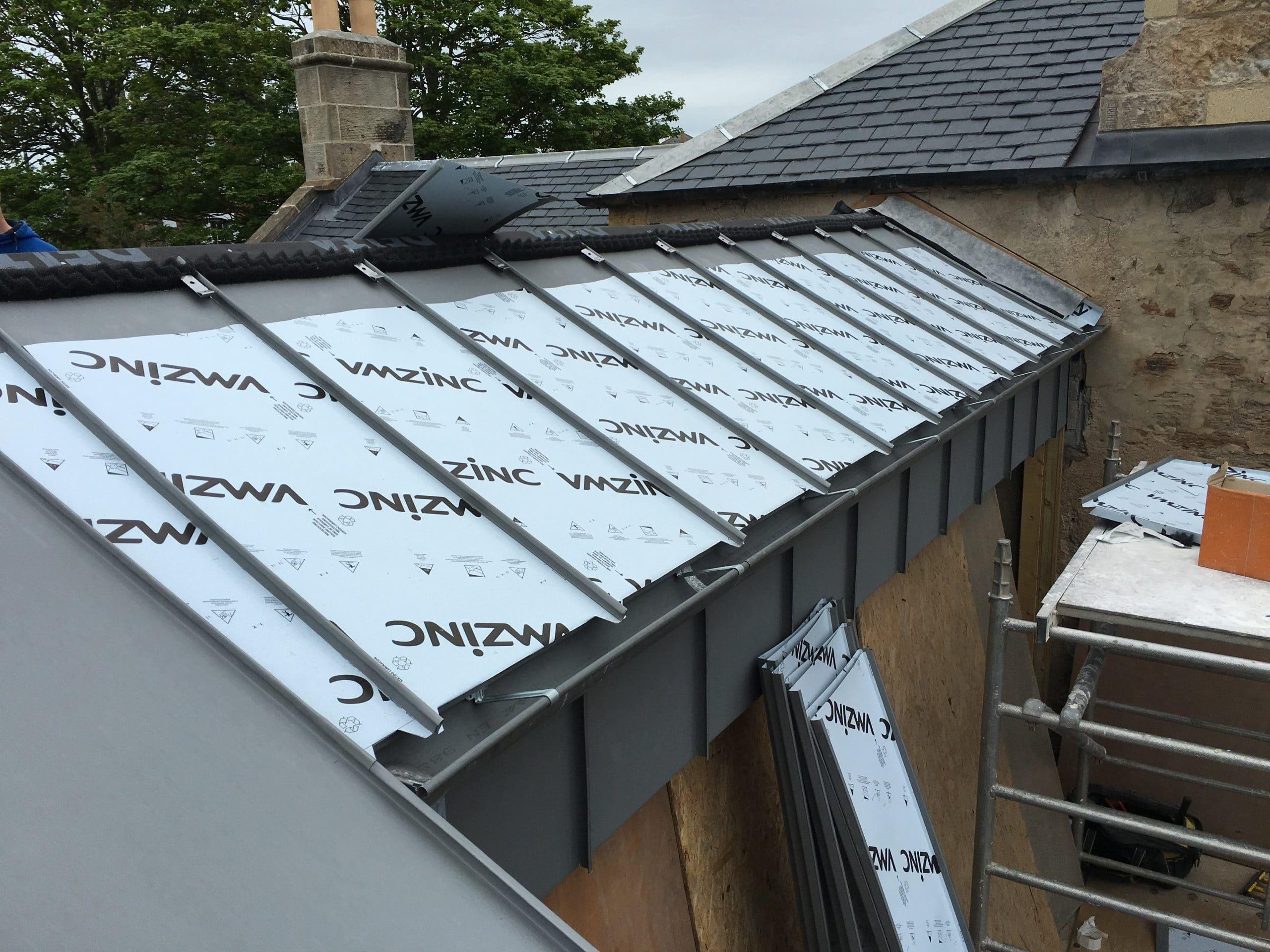 pose de toiture en zinc